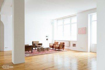 Berlin workshop spaces Besonders Village image 24