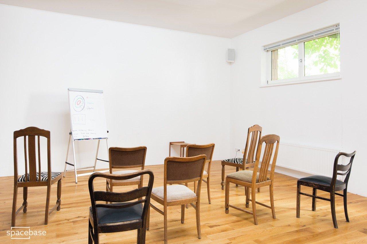 village mieten in berlin. Black Bedroom Furniture Sets. Home Design Ideas