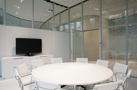 """Düsseldorf seminar rooms Meetingraum Sky Office Düsseldorf - Boardroom """"Uranus"""" image 0"""