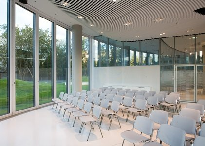 Düsseldorf seminar rooms Auditorium Sky Office Düsseldorf - The Auditorium image 0