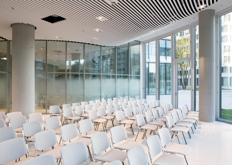 Düsseldorf seminar rooms Auditorium Sky Office Düsseldorf - Unser Auditorium image 3