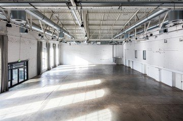 Cologne corporate event venues Lieu industriel The New Yorker   DOCK.ONE image 3