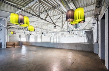 Cologne corporate event venues Lieu industriel The New Yorker | DOCK.ONE image 1