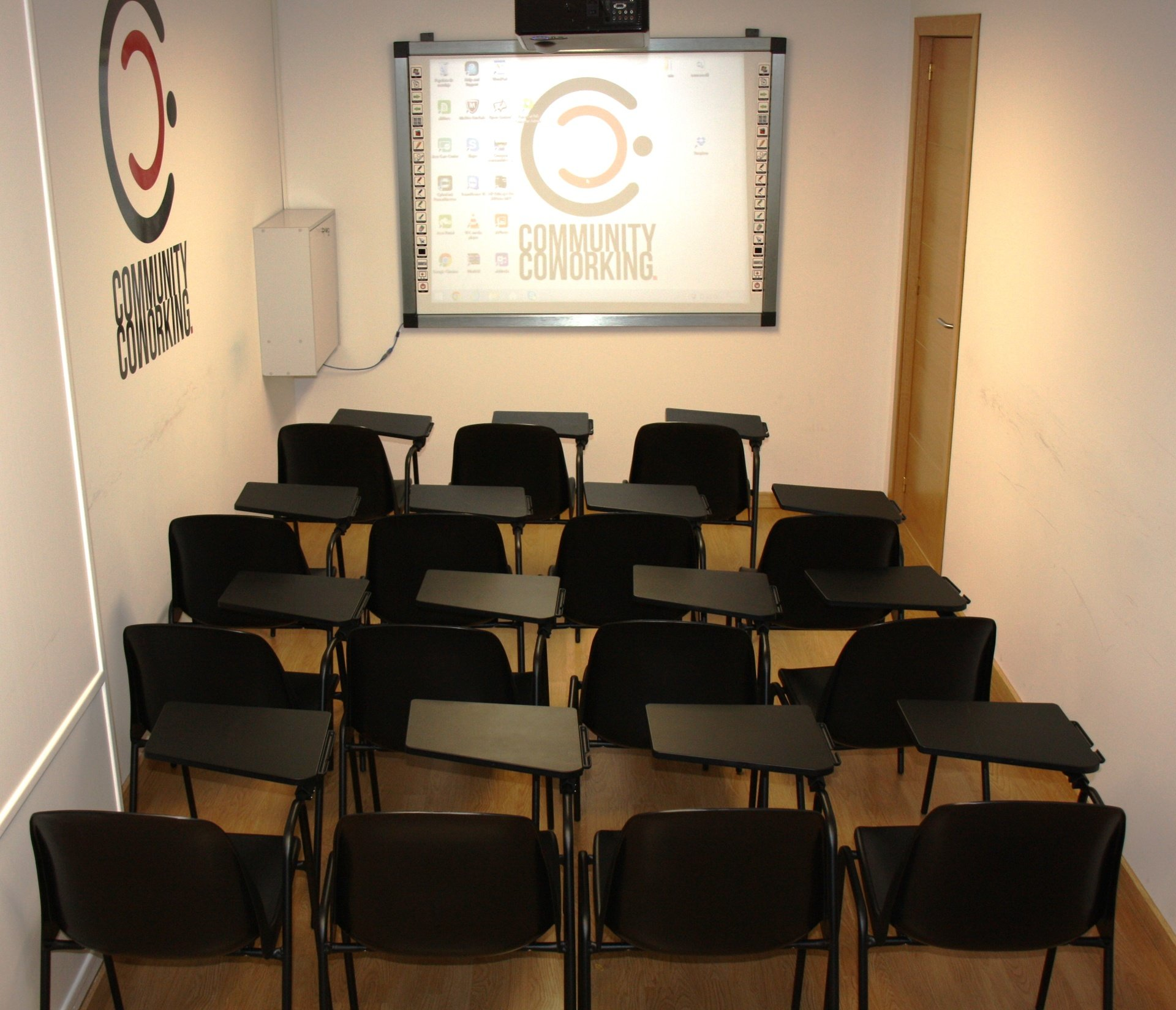 Madrid Train station meeting rooms Coworking space Community Coworking Madrid  image 0