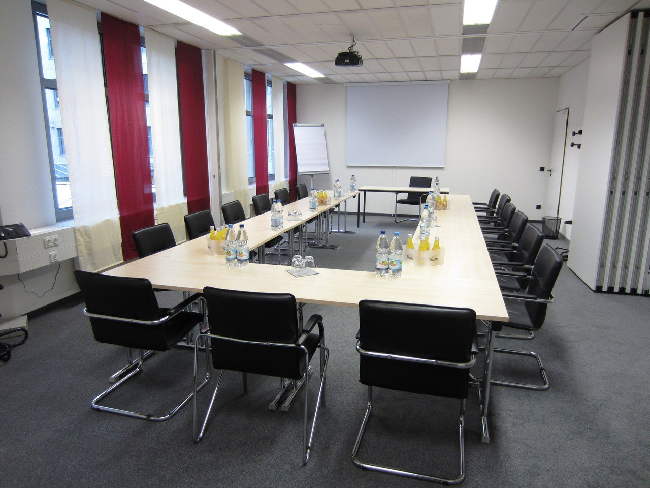 Stuttgart seminar rooms Meetingraum Business Center Airport Seminarraum image 0