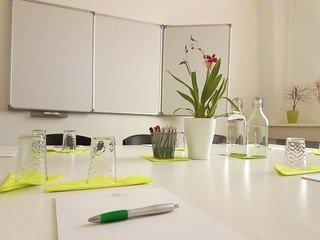 Berlin Konferenzräume Meetingraum Sprachinstitut Berlin  - Room A image 0