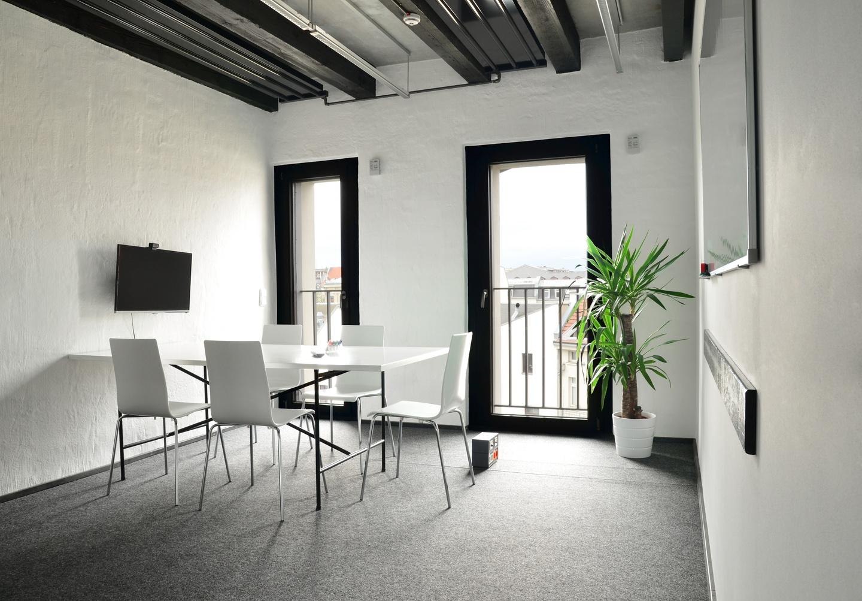 Leipzig conference rooms Meeting room Basislager Coworking: K2 image 0
