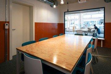 Rest der Welt training rooms Coworking Space Voisins Coworking/Café image 3
