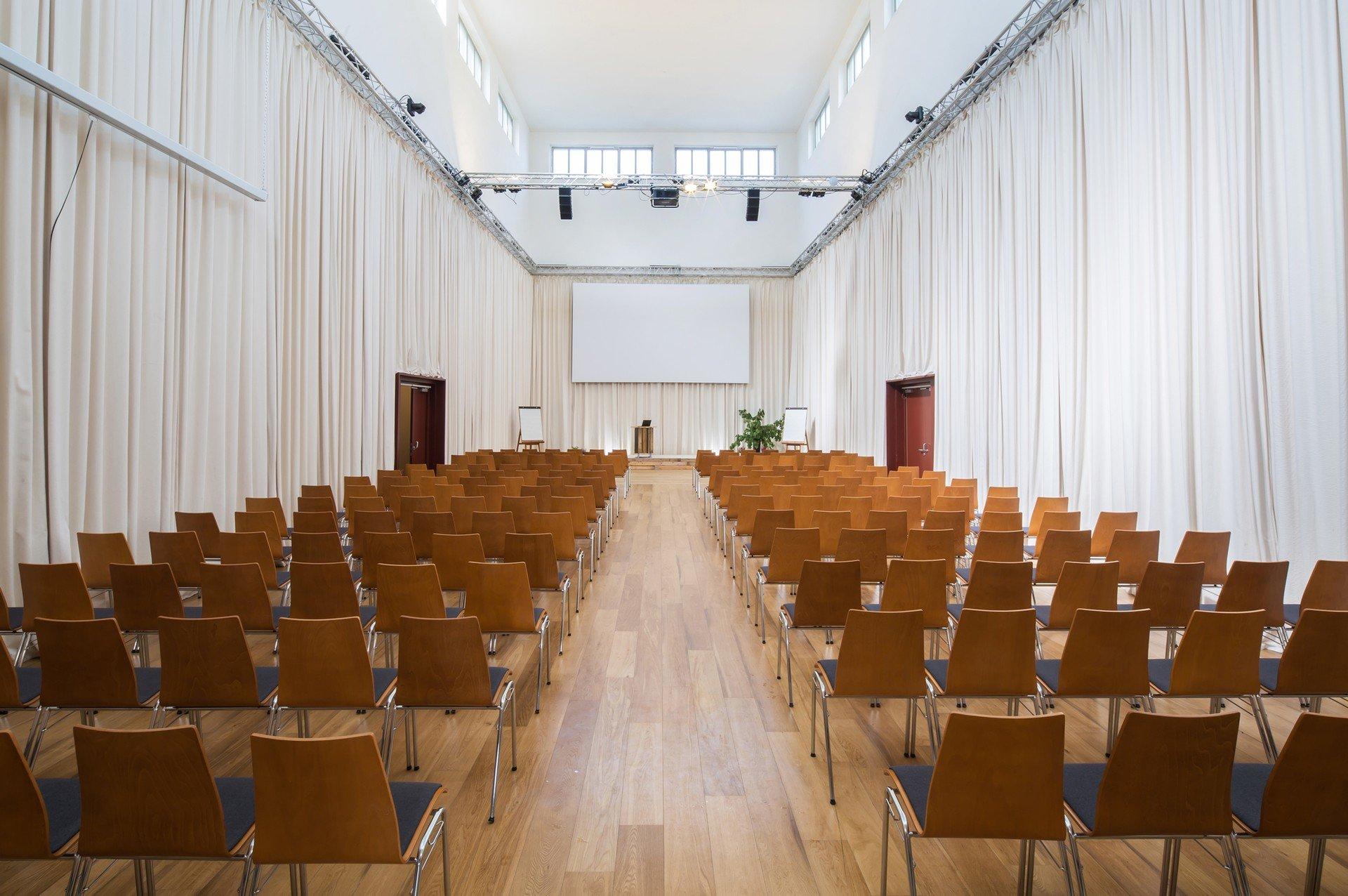 Berlin corporate event venues Salle de réunion Alte Börse Marzahn - Börsensaal image 3