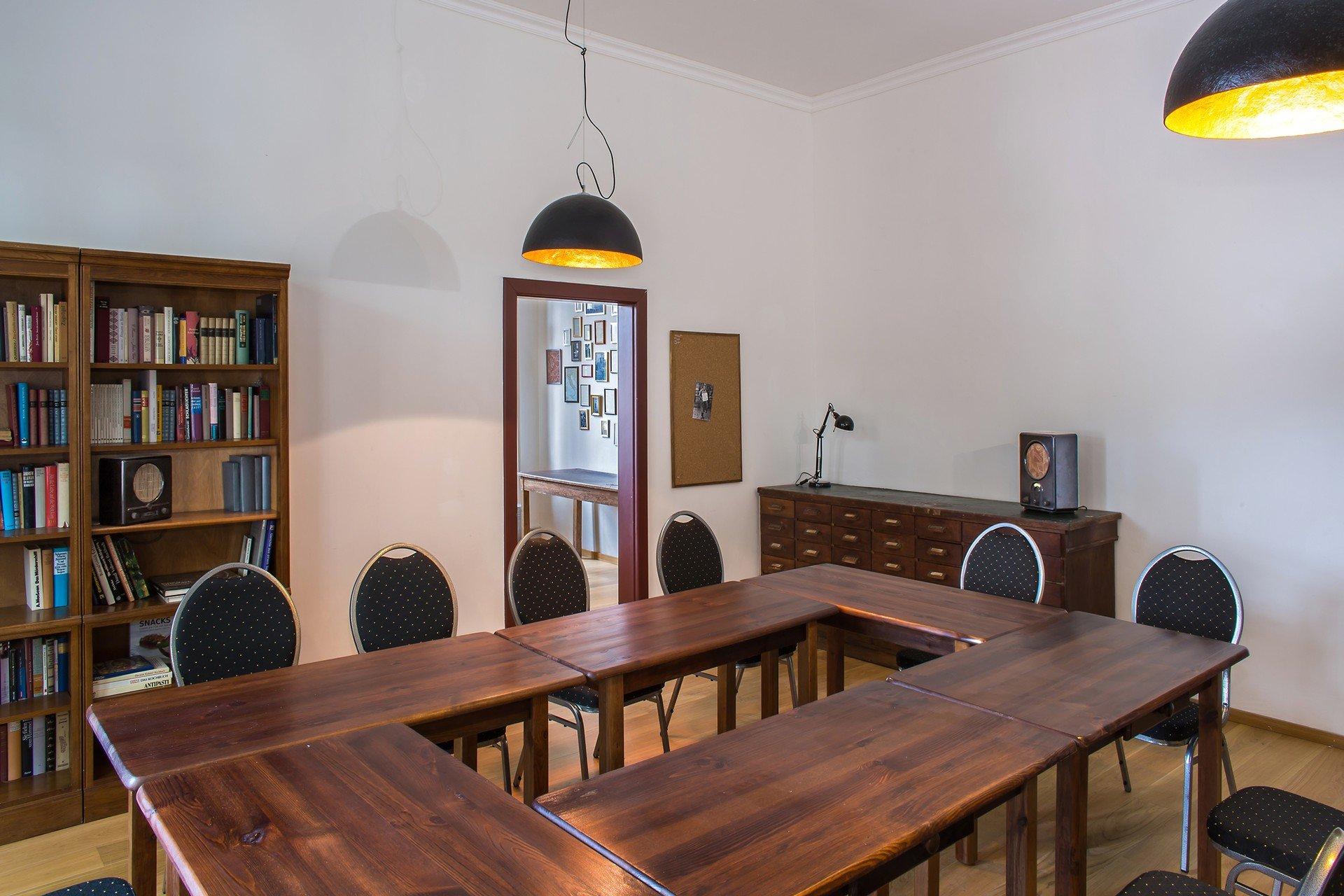 Berlin seminar rooms Meetingraum Alte Börse Marzahn - Alte Bibliothek image 3