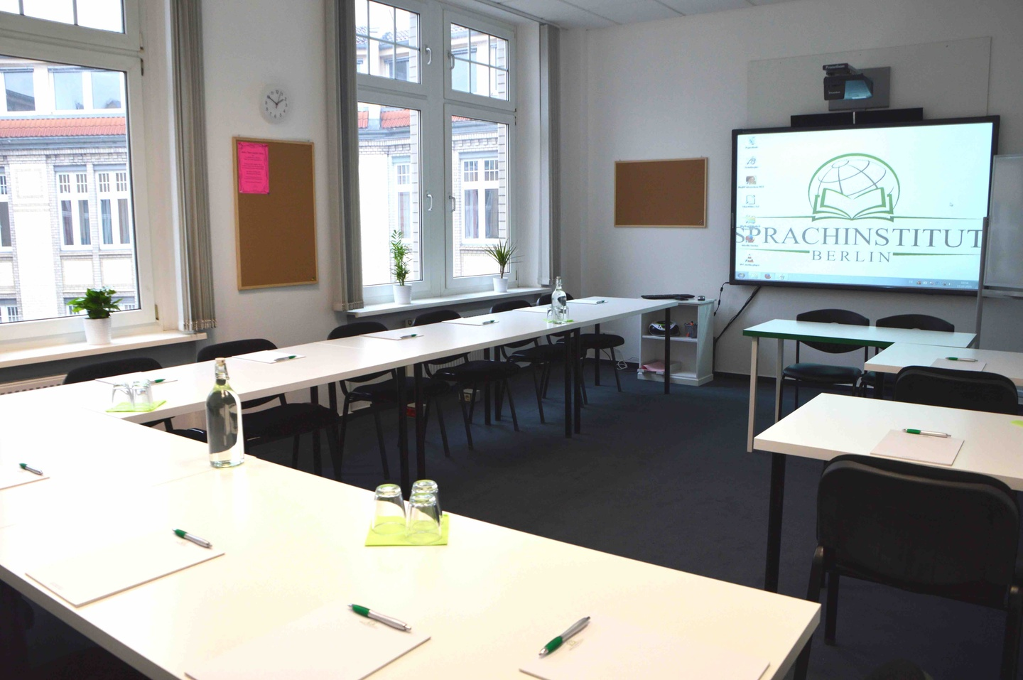 Berlin training rooms Meeting room Sprachinstitut Berlin - Room 2 image 1