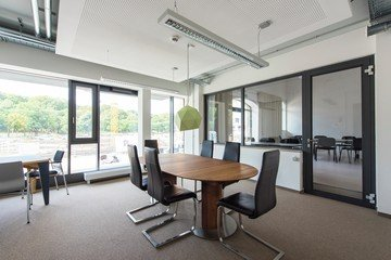 Francfort conference rooms Espace de Coworking Coworking-M1 / Meetingroom-L image 1