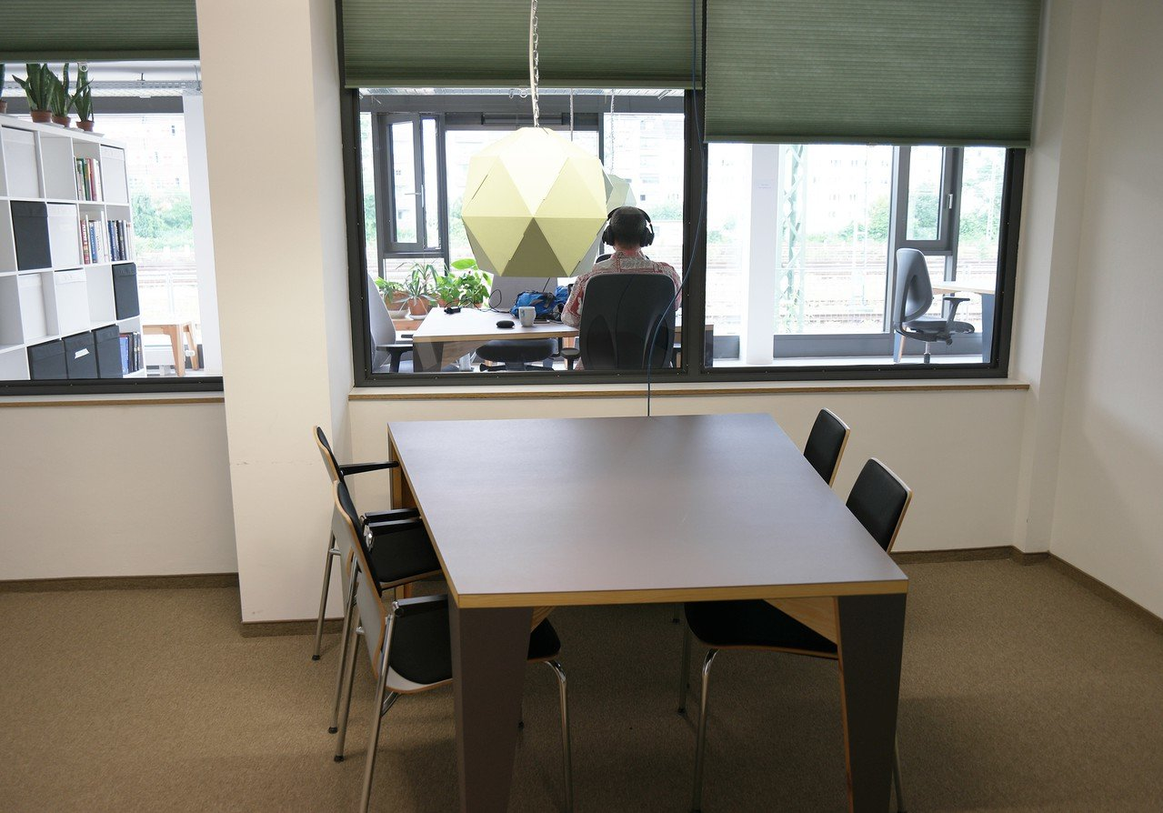 Frankfurt am Main conference rooms Coworking Space Coworking-M1 / Meetingraum-S image 0