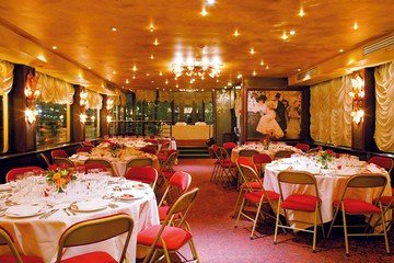 Berlin corporate event venues Boot Maxim's sur Seine image 0
