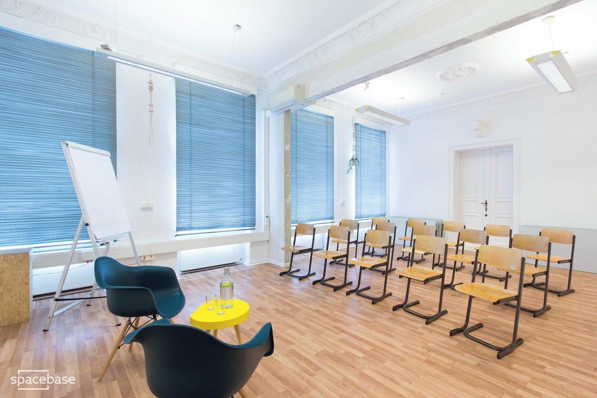 Berlin training rooms Espace de Coworking juggleHUB Coworking - Conference Room image 8