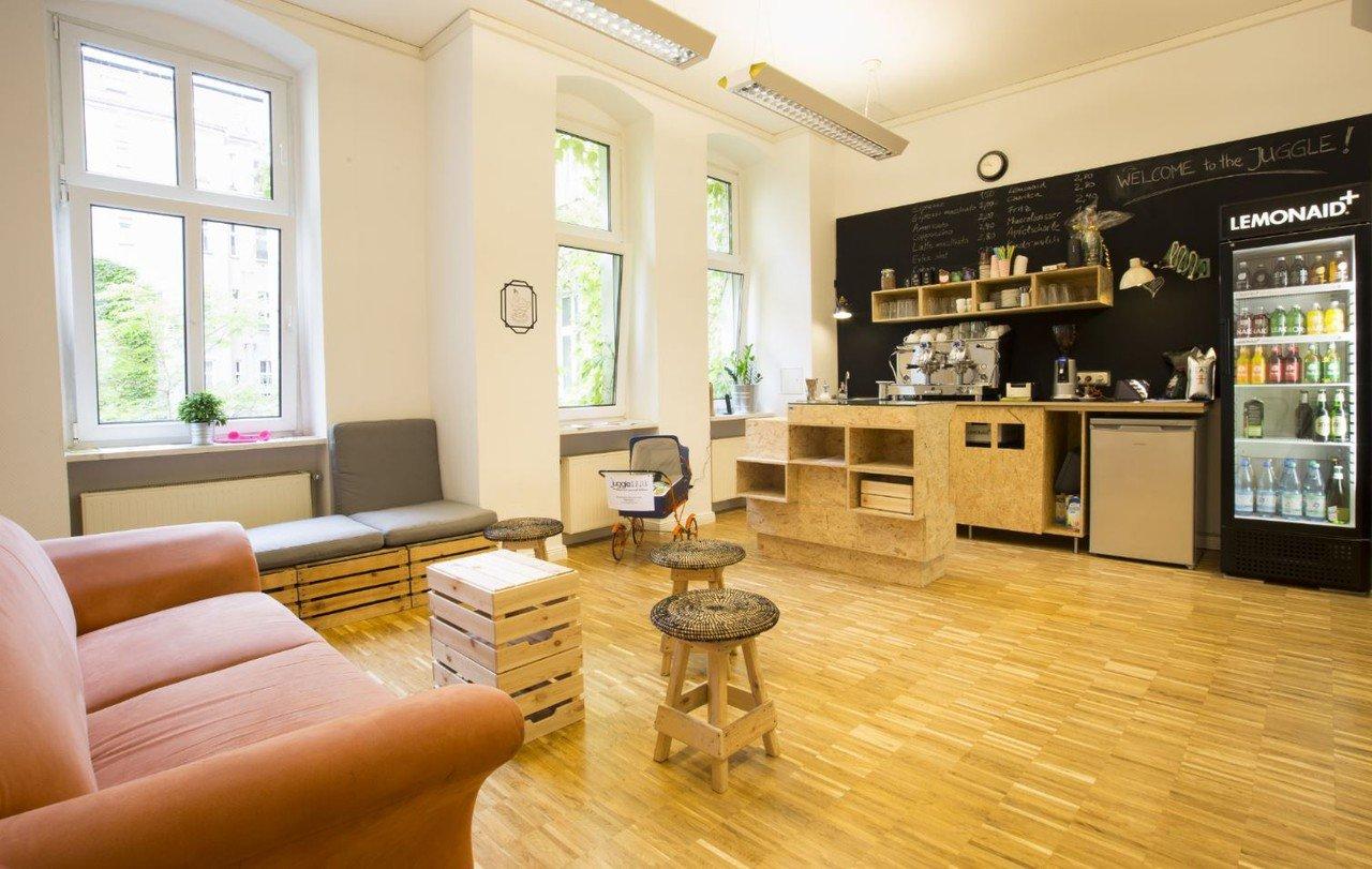 jugglehub coworking workshopraum mieten in berlin. Black Bedroom Furniture Sets. Home Design Ideas