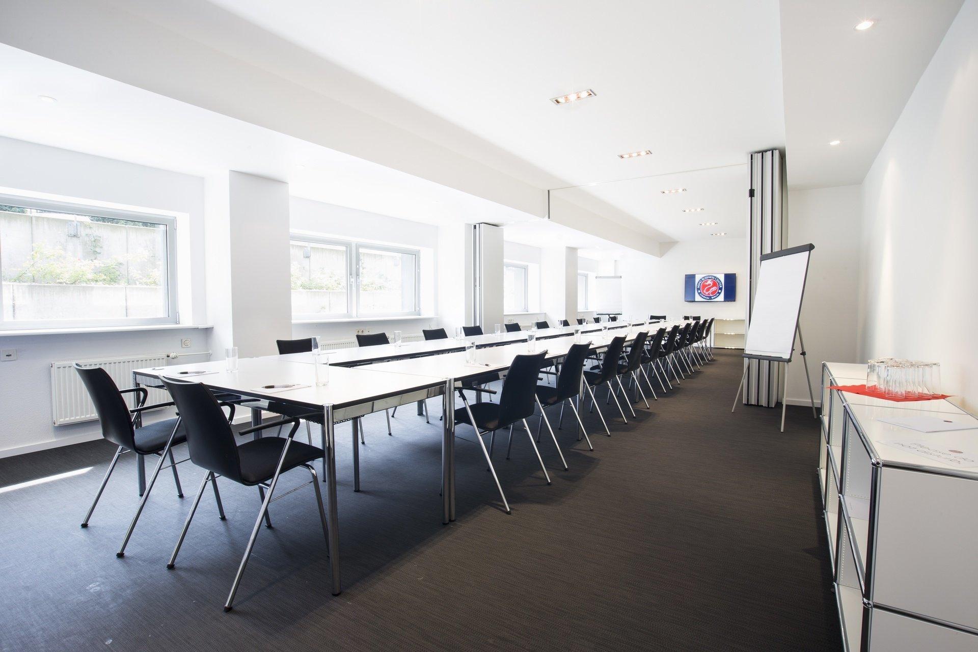 Berlin workshop spaces Meetingraum Ming Business Center - Konferenzraum Souterrain image 10