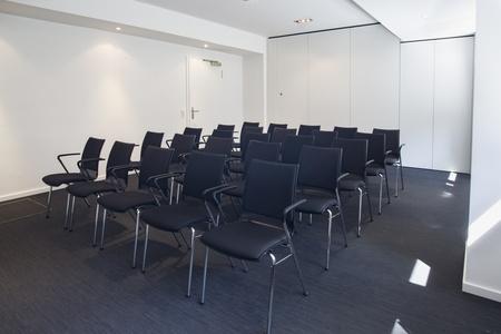 Berlin workshop spaces Meetingraum Ming Business Center - Konferenzraum Souterrain image 22