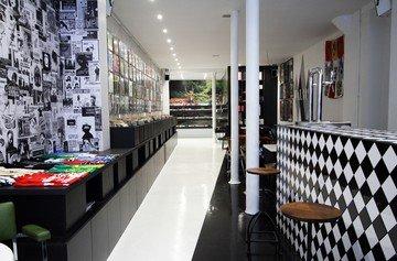 Paris workshop spaces Besonders Walrus image 0