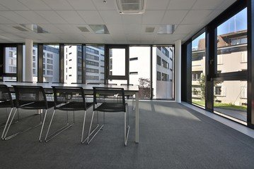 Autres villes training rooms Salle de réunion Lakeside Business Center  image 2