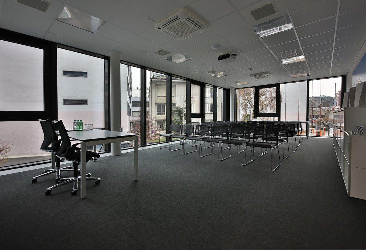 Autres villes training rooms Salle de réunion Lakeside Business Center  image 1