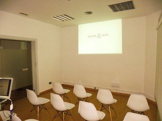 Madrid training rooms Meetingraum WORK AND WIFI - ROOM1 image 4