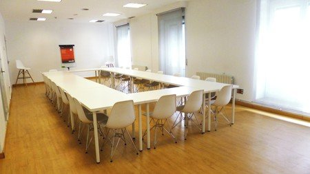 Madrid workshop spaces Salle de réunion WORK AND WIFI - ROOM2 image 5