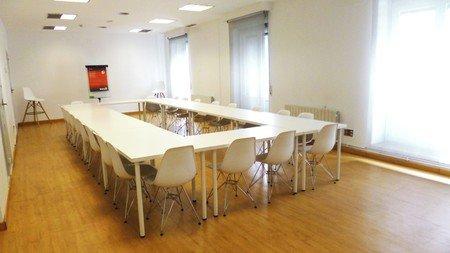 Madrid workshop spaces Meetingraum WORK AND WIFI - ROOM2 image 5
