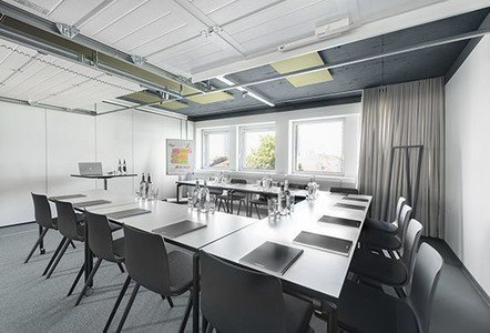 Frankfurt am Main training rooms Meetingraum Design Offices FFM - Training Room II image 1