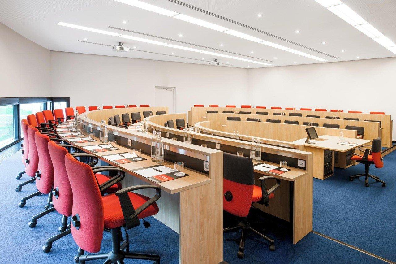 Frankfurt am Main seminar rooms Meetingraum Auditorium image 0