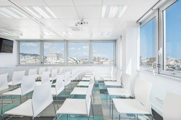 Barcelona conference rooms Meeting room  Luxury meeting room up to 40 people !  image 2
