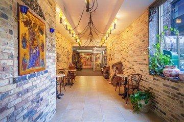 NYC workshop spaces Historische Gebäude Café Viktoria - Event Venue image 2