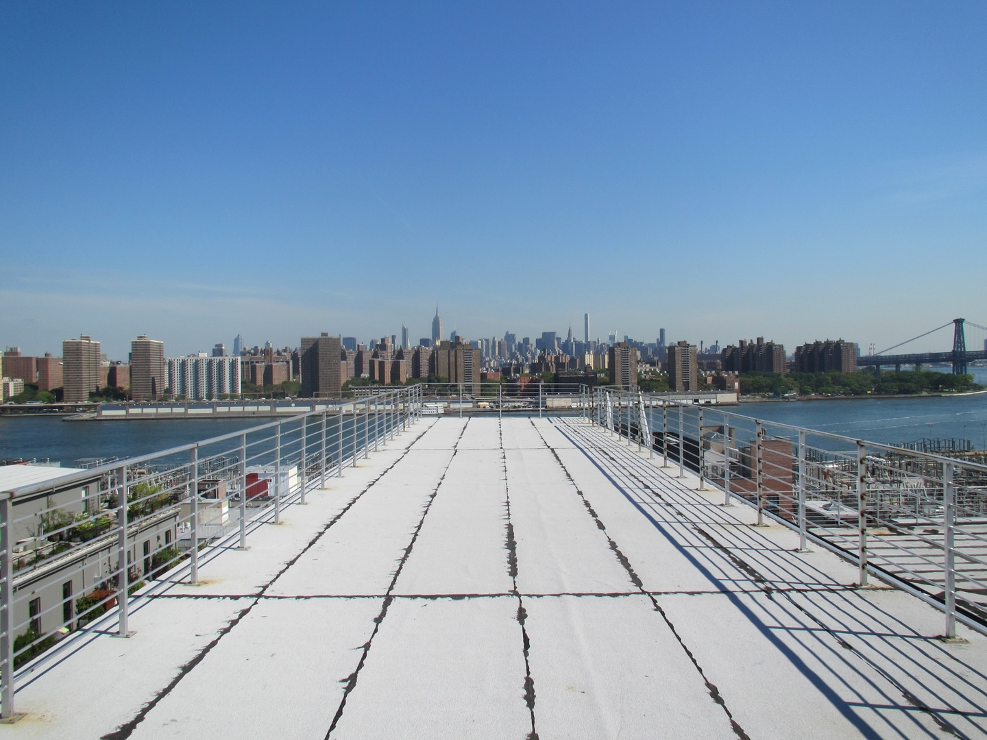 NYC corporate event venues Dachterrasse Seret Studios - Runway Rooftop image 0