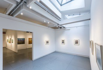 NYC corporate event venues Galerie White Space Chelsea at Agora Gallery image 2
