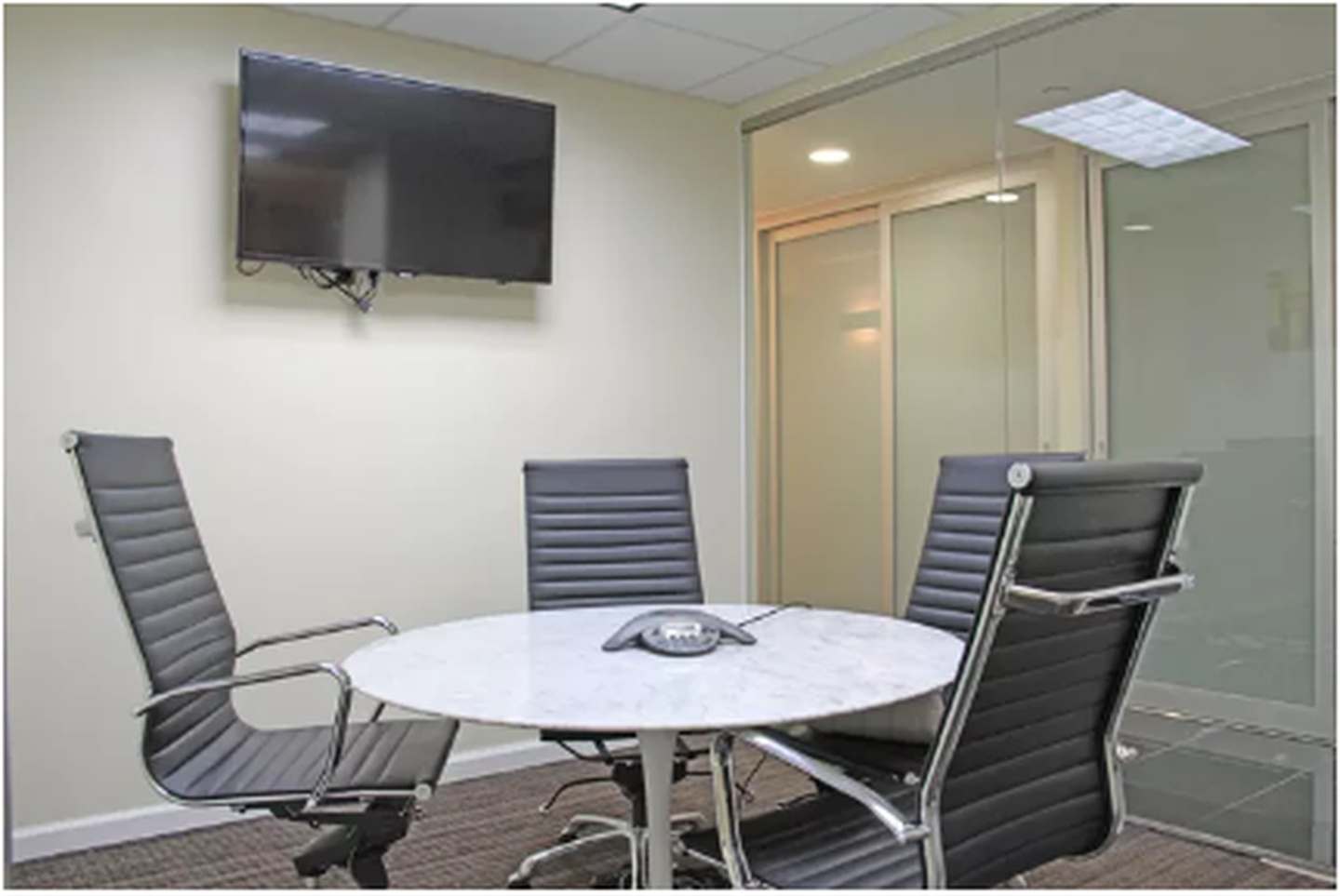 NYC conference rooms Meeting room Jay Suites  Times Square - Room C image 10