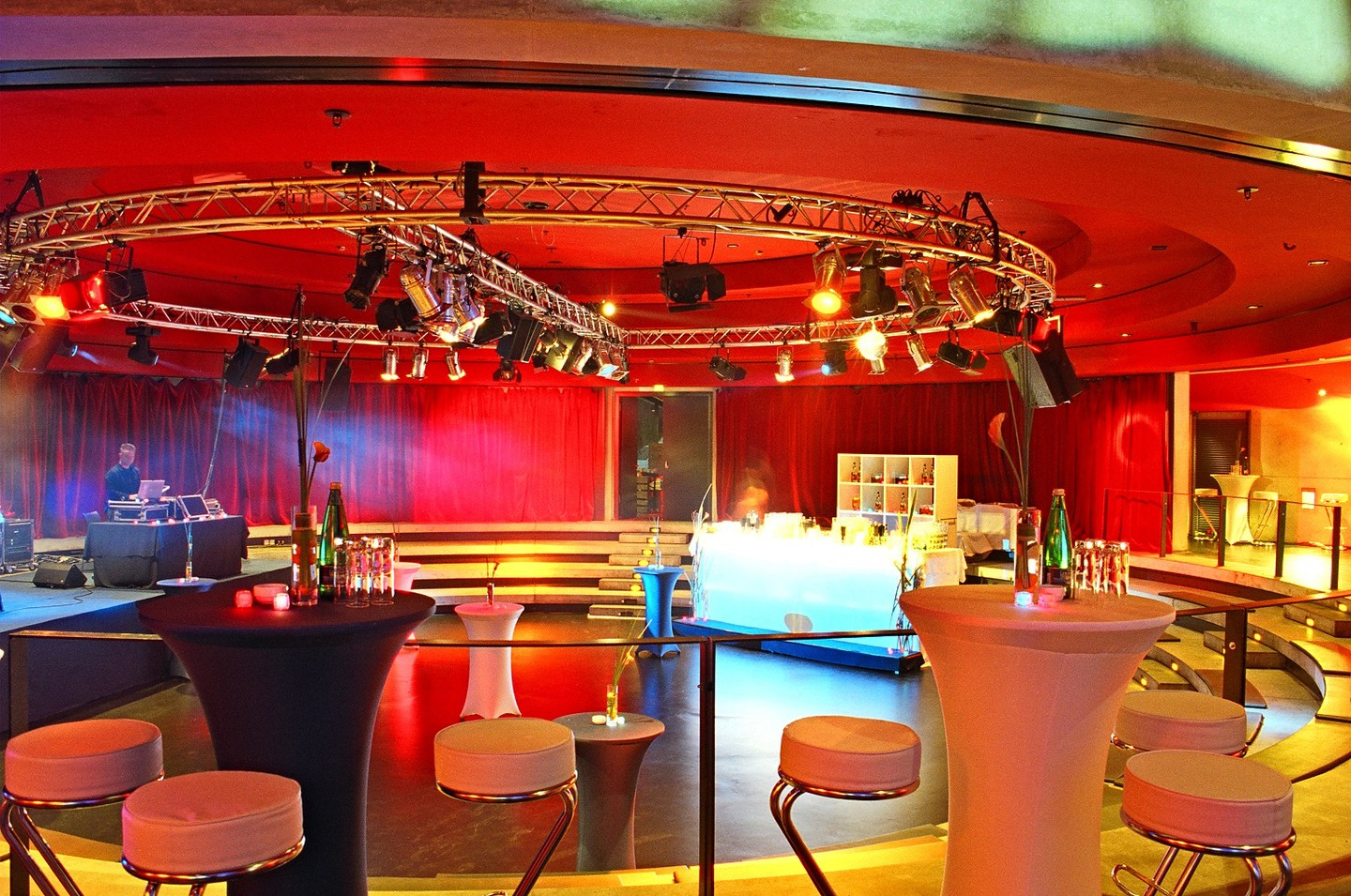 Berlin corporate event venues Party room Tempodrom - Small Arena image 2