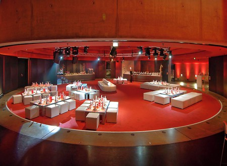 Berlin corporate event venues Party room Tempodrom - Small Arena image 3