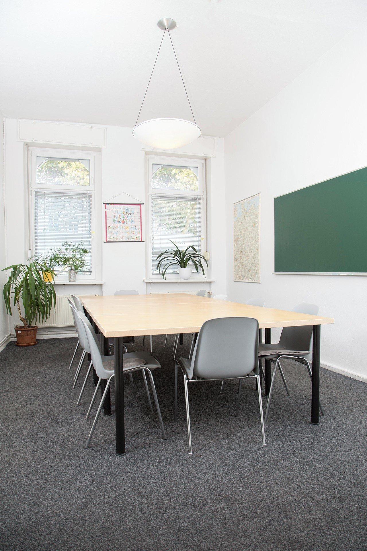 Berlin seminar rooms Meetingraum LOGO Sprachenschule Raum 1 image 0