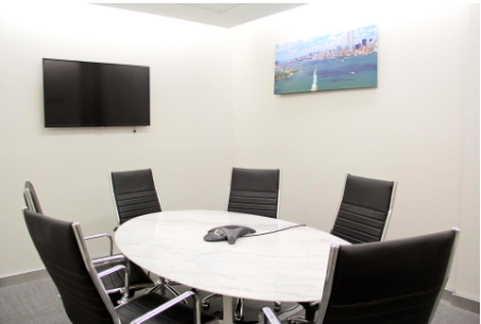 NYC seminar rooms Meeting room Jay Suites  34 th Street- Room B image 0