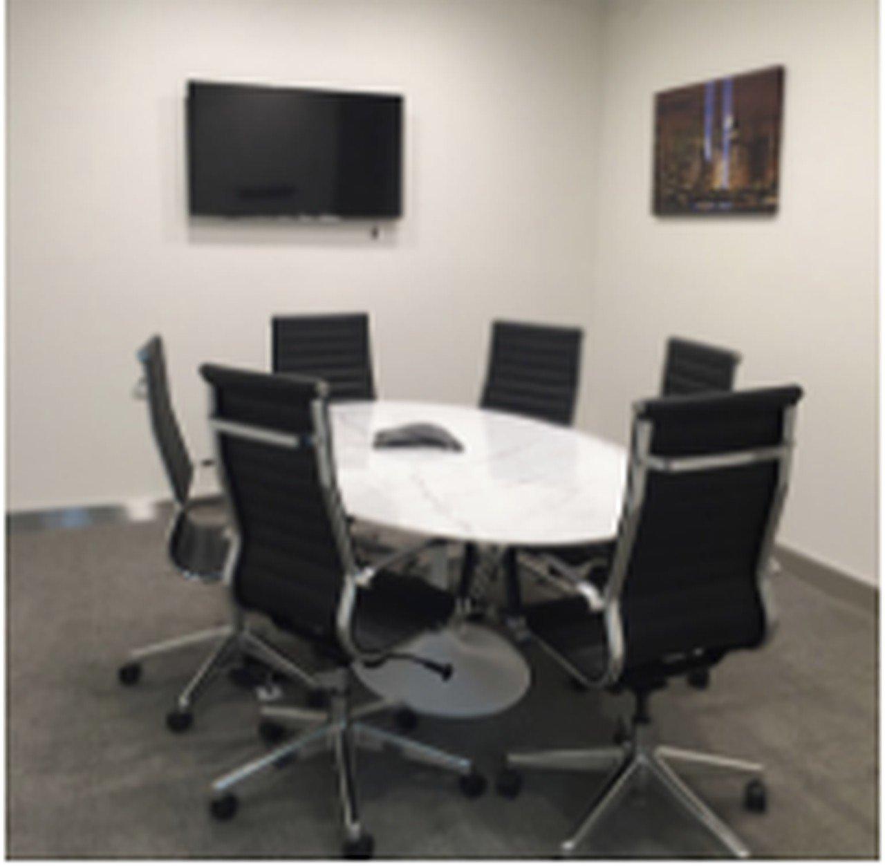 NYC seminar rooms Meetingraum Jay Suites  34 th Street- Room E image 0