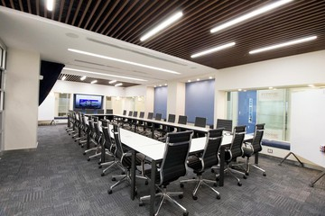 NYC seminar rooms Meeting room Jay Suites  Times Square - Uber Meeting Room I image 4