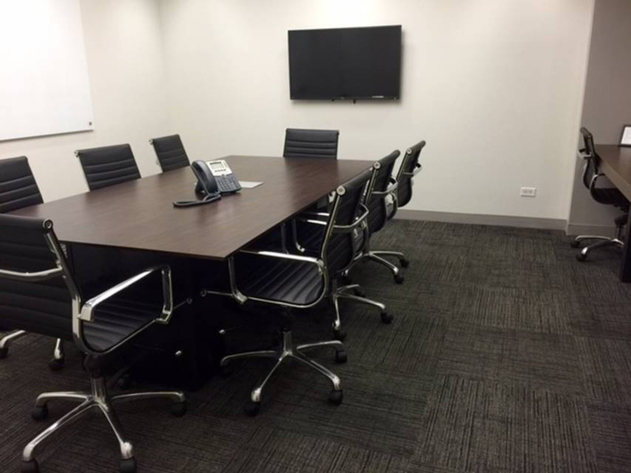 NYC conference rooms Meetingraum Corporate Suites 8 Person Board Room 8C image 0