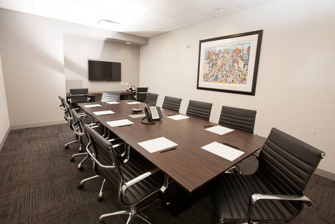 NYC conference rooms Meetingraum Corporate Suites 10 Person Meeting Room 8D image 0
