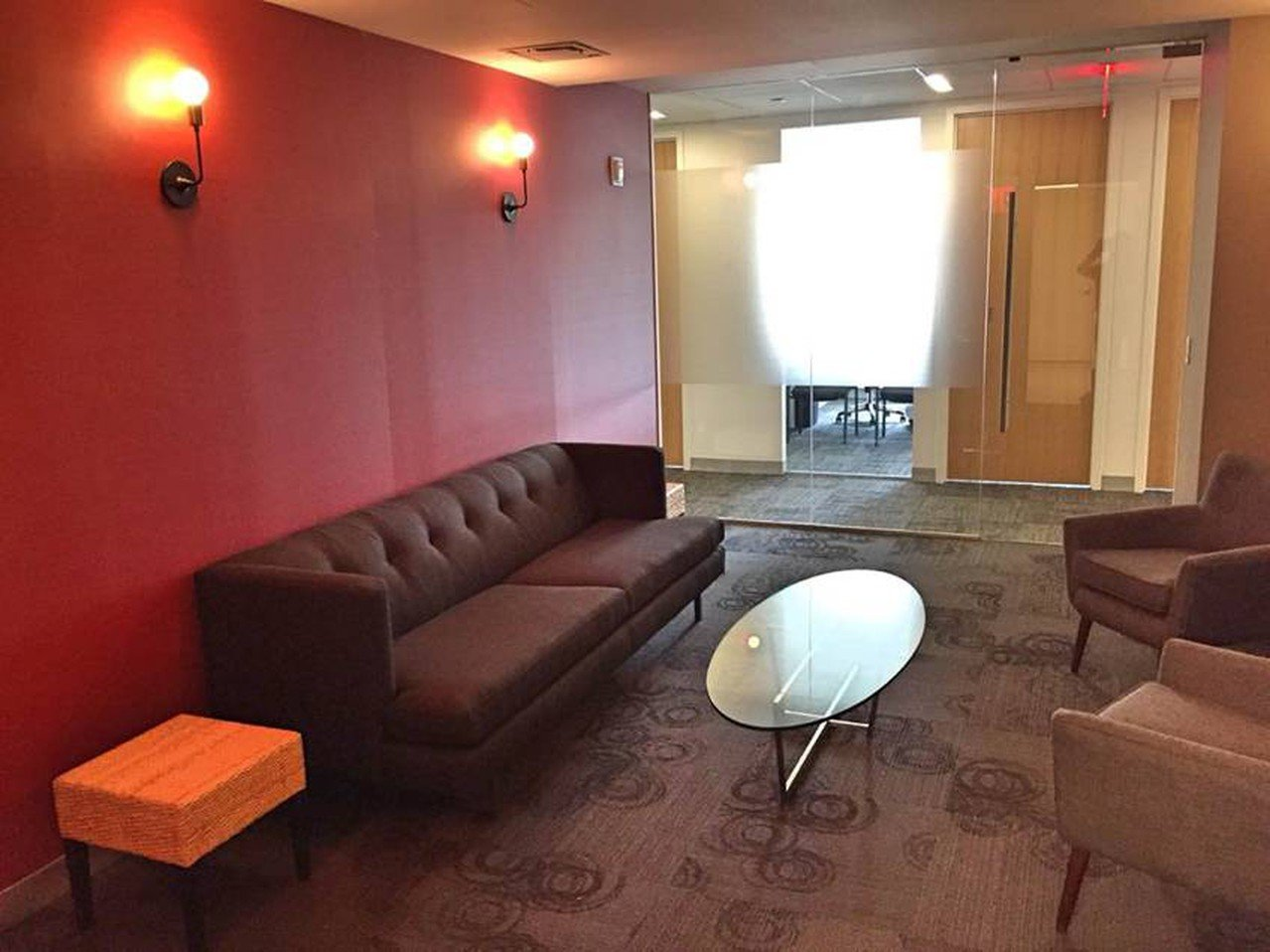 NYC training rooms Meetingraum Corporate Suites Cozy Meeting Room 20D image 0