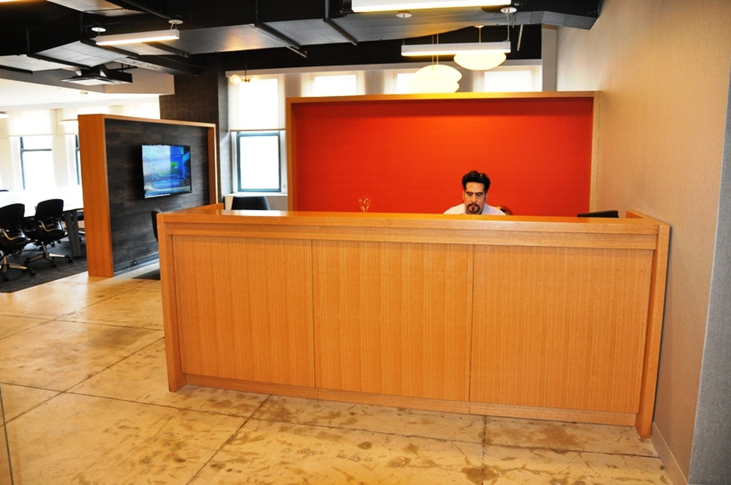 NYC training rooms Meeting room Corporate Suites Cozy Meeting Room 20D image 2