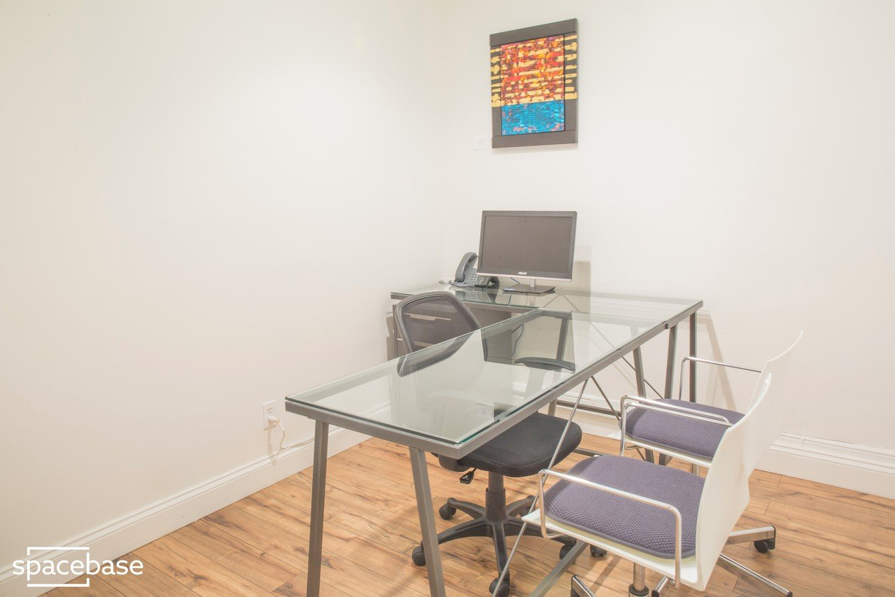 NYC conference rooms Espace de Coworking Sage Workspace - Room B image 1