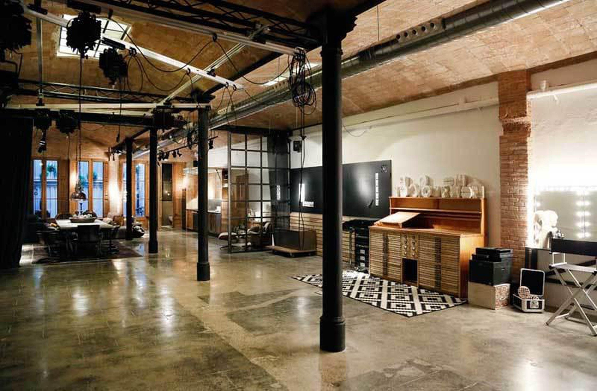 Barcelona workshop spaces Unusual The baSEment image 1