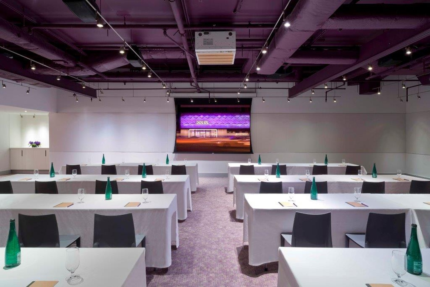 NYC seminar rooms Meeting room Yotel - Studio image 1