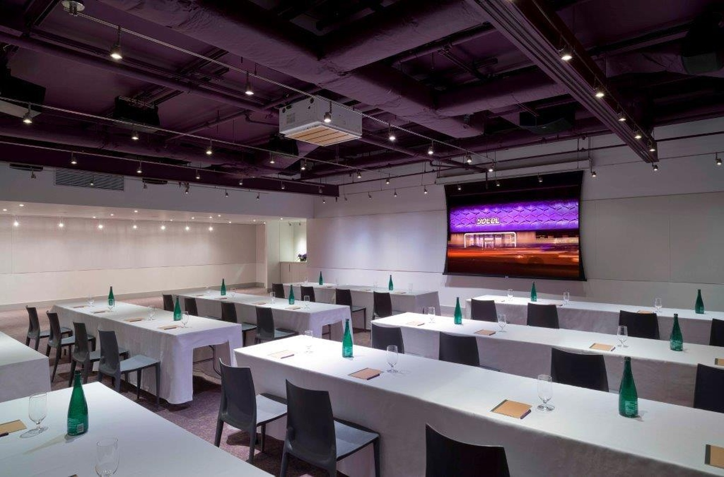 NYC seminar rooms Meeting room Yotel - Studio image 2