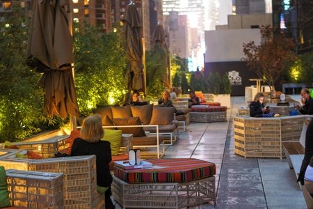 NYC corporate event venues Dachterrasse Social Drink & Food image 8